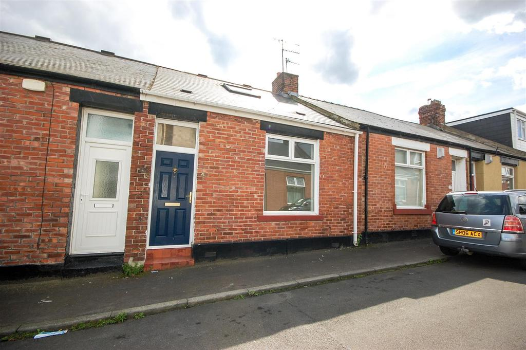 2 Bedrooms Cottage House for sale in High Barnes
