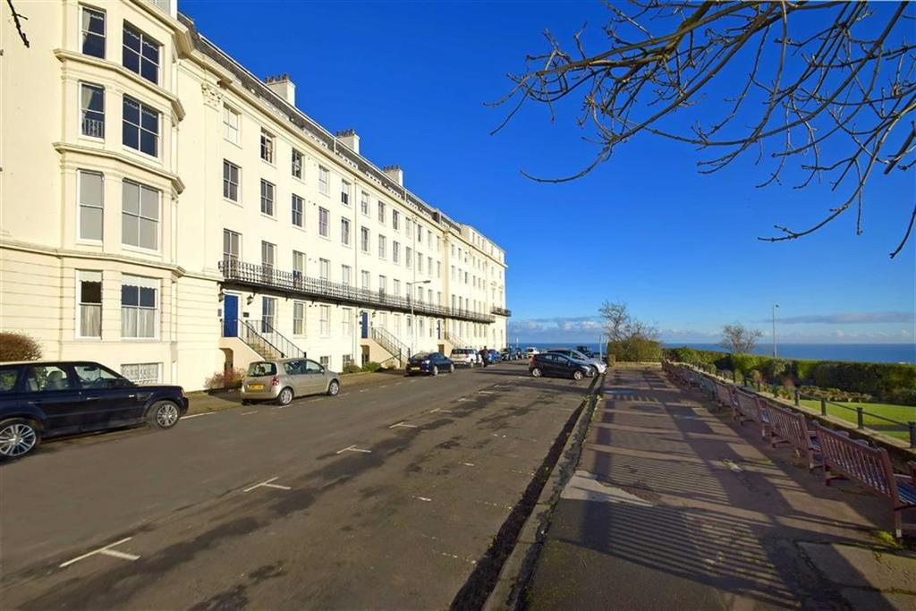 2 Bedrooms Flat for sale in Prince Of Wales Terrace, Scarborough, North Yorkshire, YO11