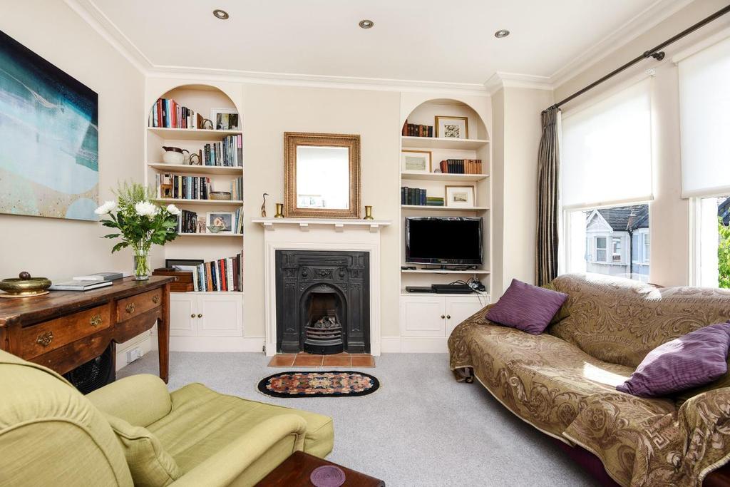 3 Bedrooms Maisonette Flat for sale in Brookwood Road, Southfields