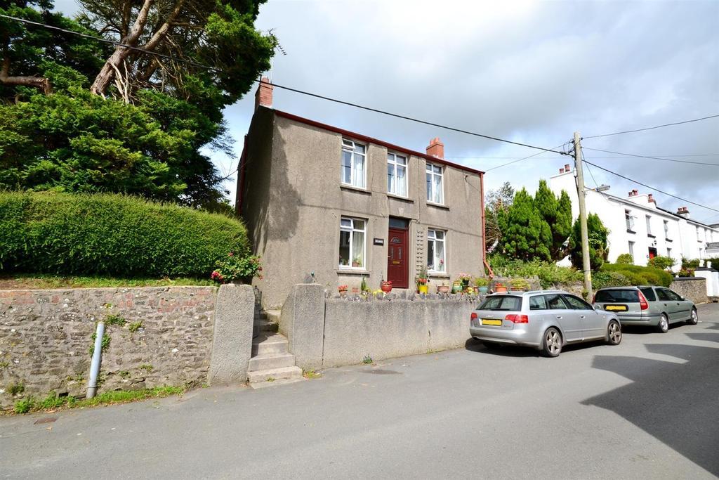 3 Bedrooms Detached House for sale in Cosheston, Pembroke Dock
