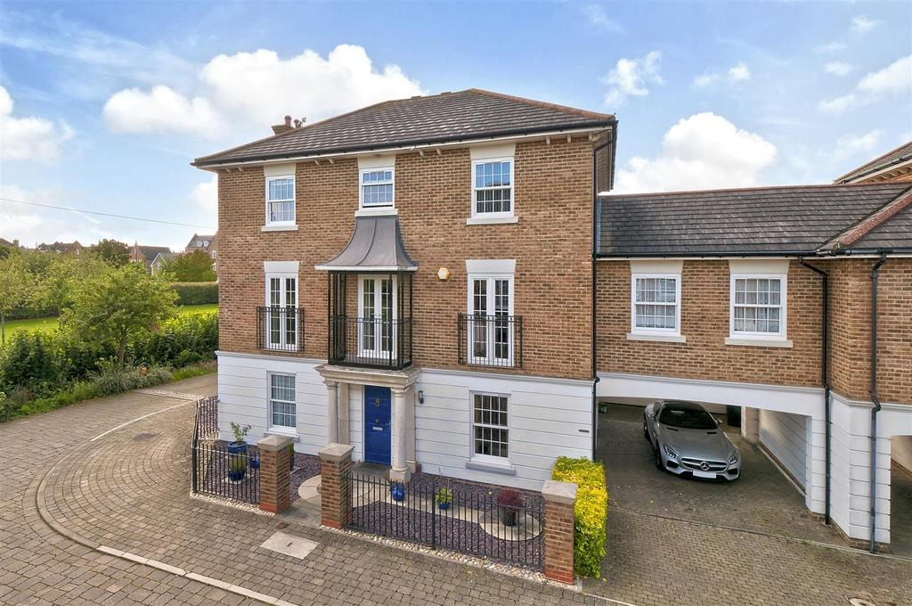 6 Bedrooms Detached House for sale in Maypole Drive, Kings Hill, ME19 4BP