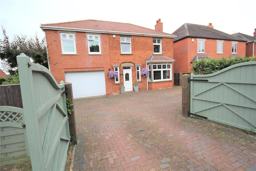 4 Bedrooms Detached House for sale in London Road, Sleaford, NG34