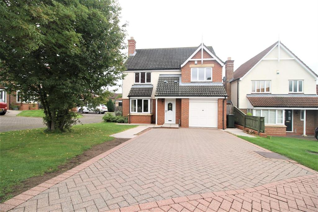 4 Bedrooms Detached House for sale in Fearnhead, Marton-In-Cleveland, Middlesbrough