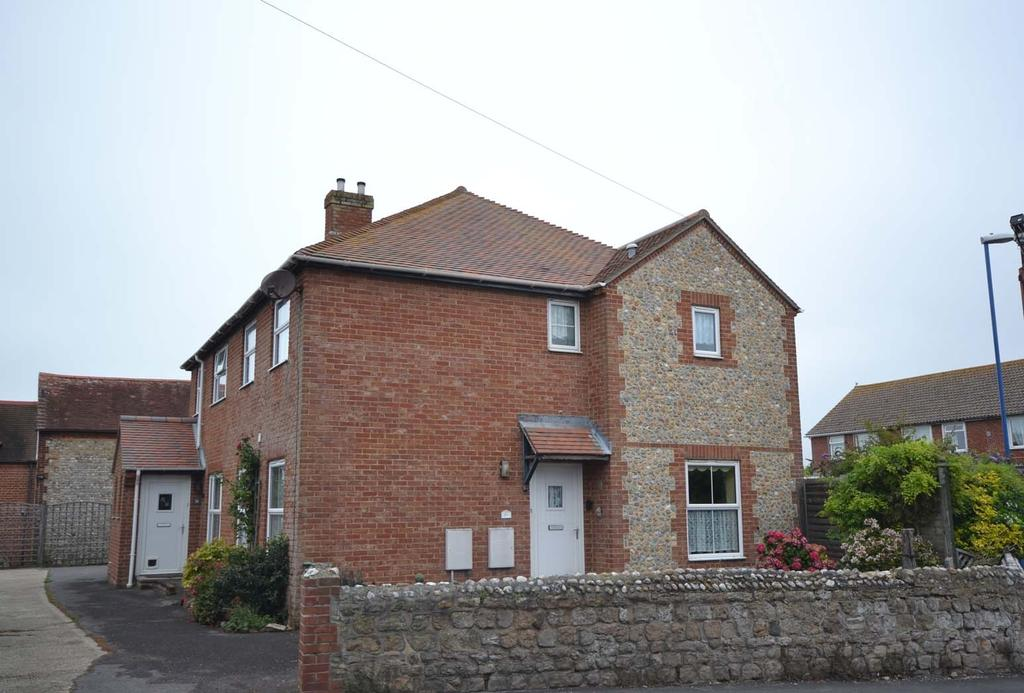 3 Bedrooms Semi Detached House for sale in Hillfield Road, Selsey, PO20
