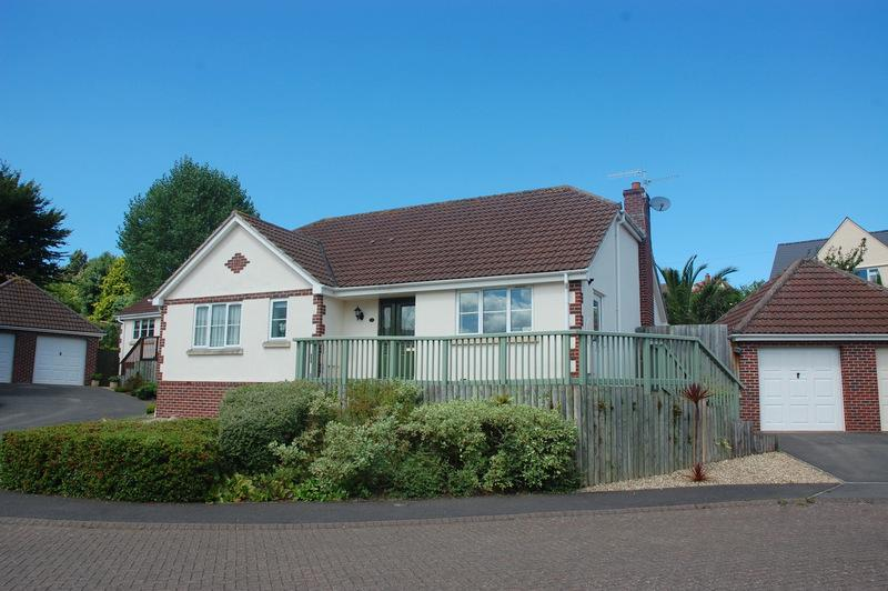 3 Bedrooms Detached Bungalow for sale in The Cedars, Minehead TA24