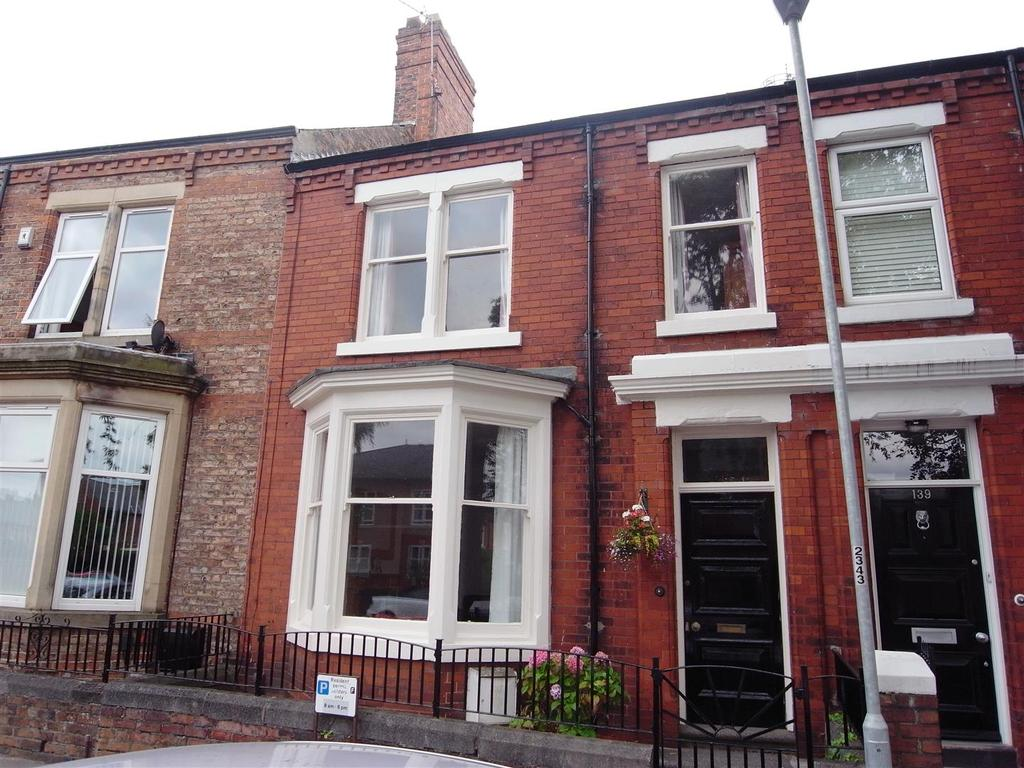 3 Bedrooms Town House for sale in Greenbank Road, Darlington