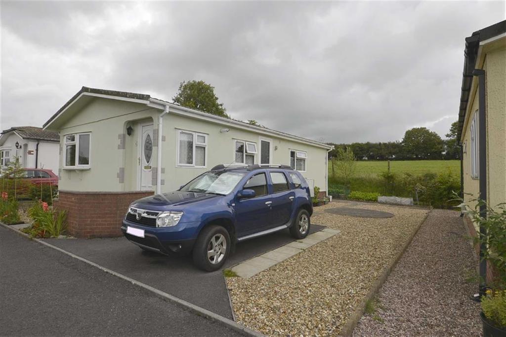2 Bedrooms Bungalow for sale in 20, Shillingford Park, Kilgetty, Pembrokeshire, SA68