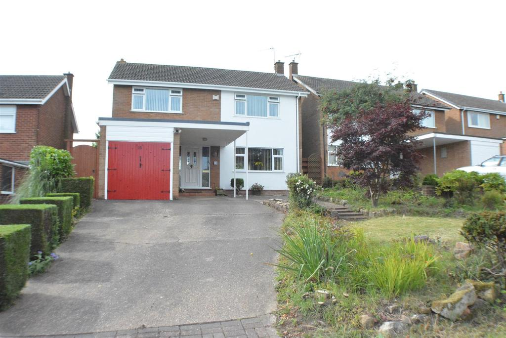 4 Bedrooms Detached House for sale in Highland Road, BERRY HILL, Mansfield