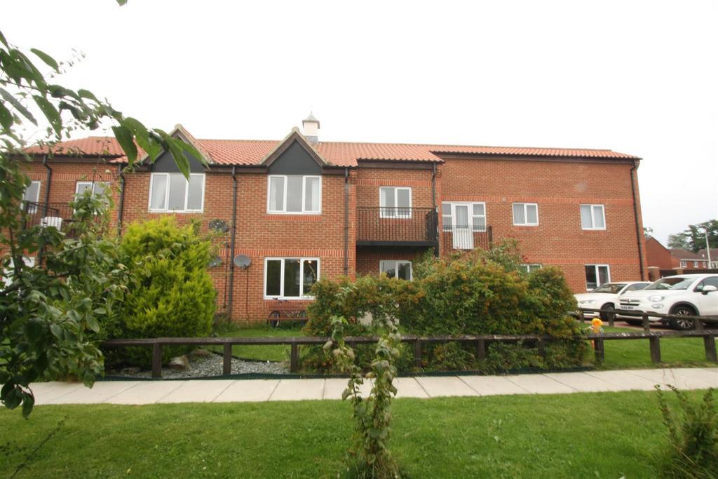 2 Bedrooms Apartment Flat for sale in Alverton Drive, Faverdale, Darlington