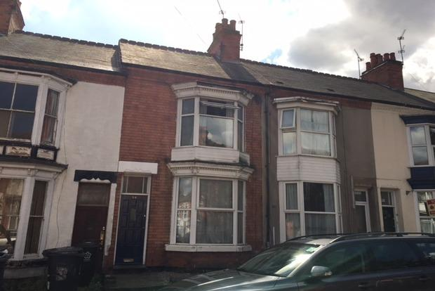 3 Bedrooms Terraced House for sale in Beaconsfield Road, Leicester, LE3