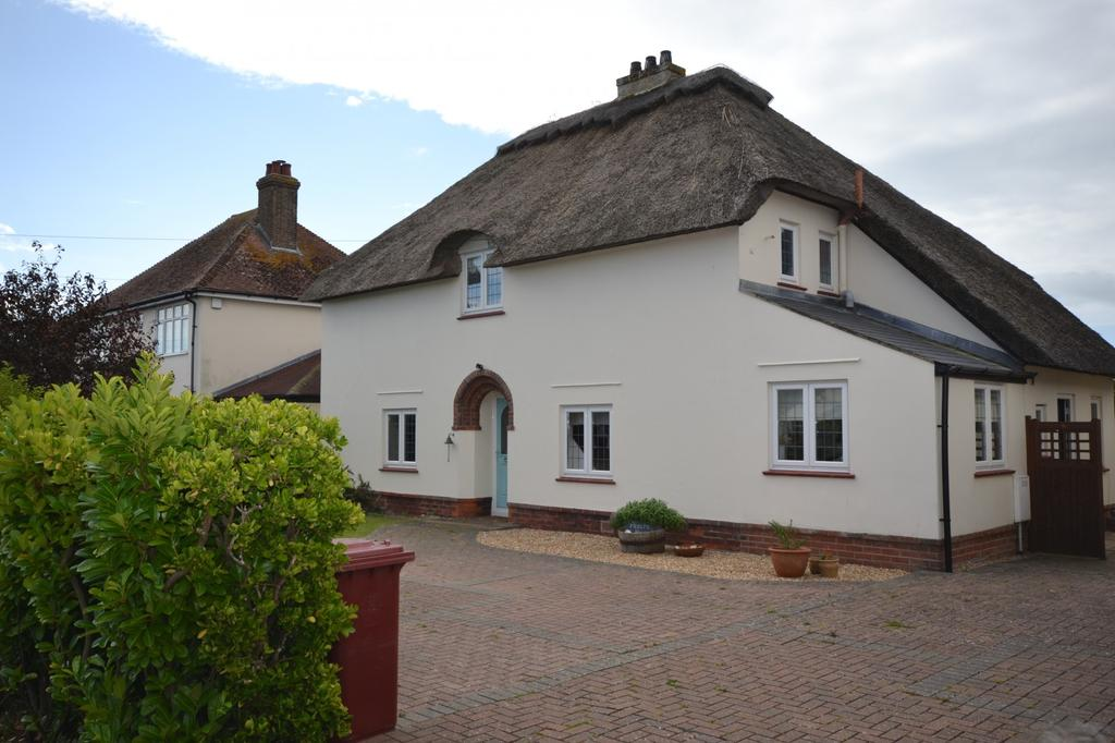 3 Bedrooms Detached House for sale in Peachey Road, Selsey, PO20