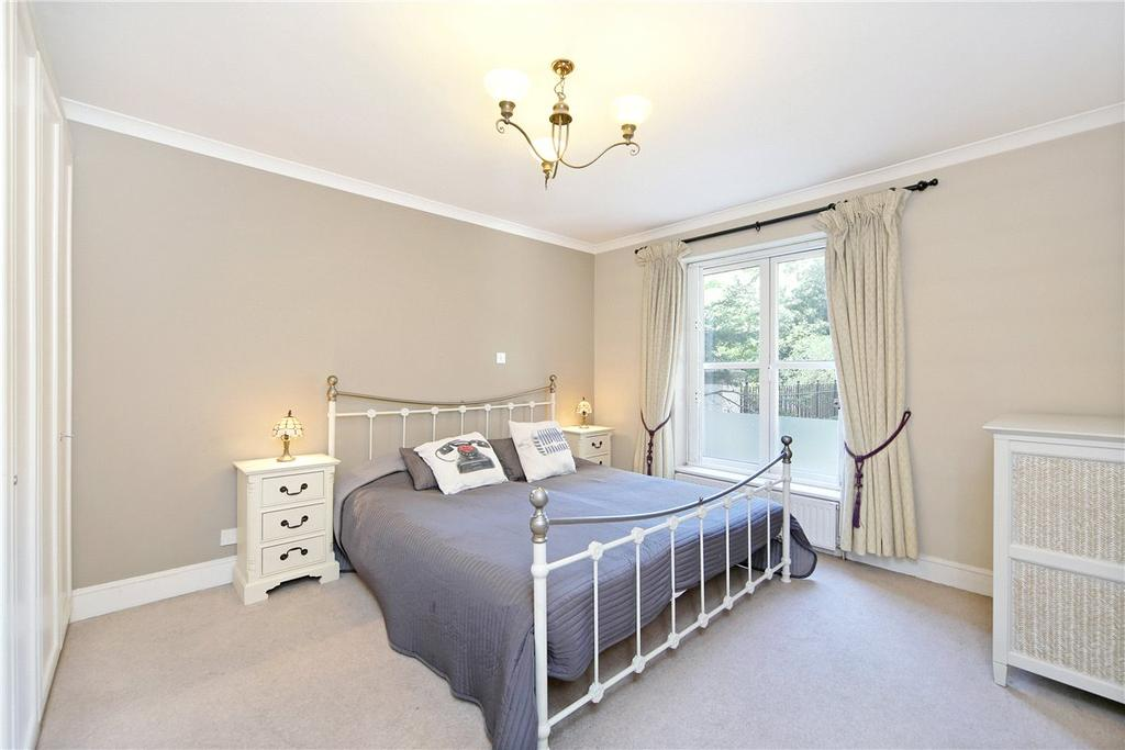 2 Bedrooms Apartment Flat for sale in Bishops Court, 76 Bishops Bridge Road, Bayswater, London, W2