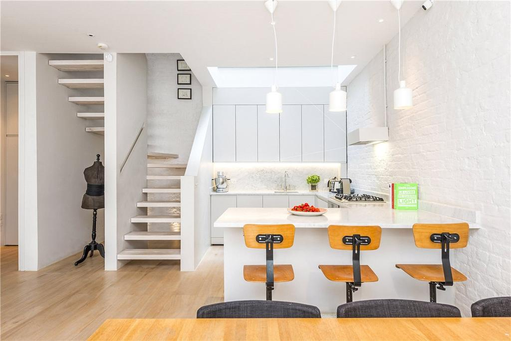 3 Bedrooms Mews House for sale in Leinster Mews, Bayswater, London, W2