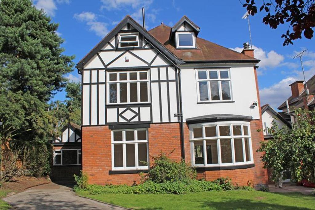 5 Bedrooms Detached House for sale in 36 Highland Grove