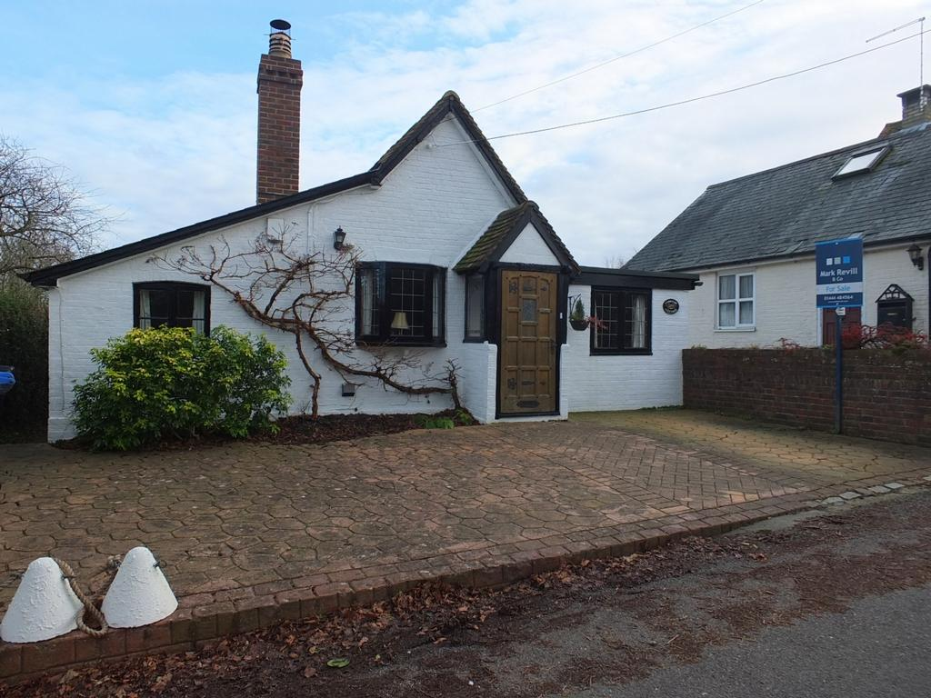 2 Bedrooms House for sale in North Lane, West Hoathly, RH19