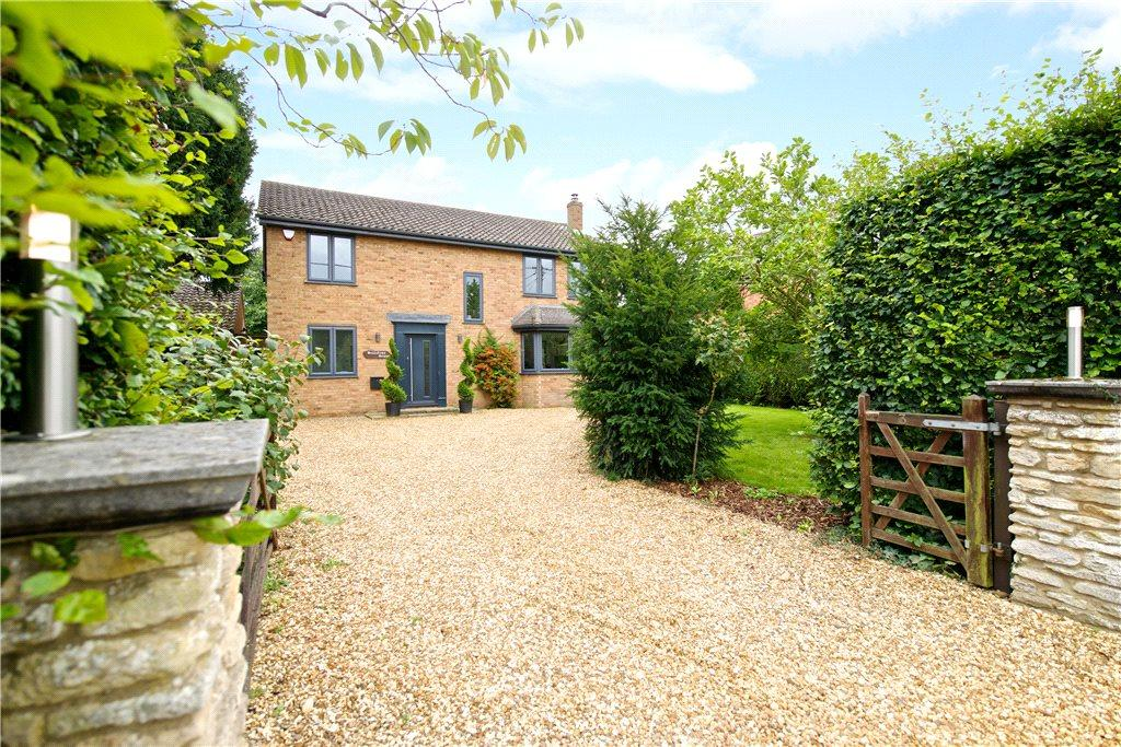 4 Bedrooms Detached House for sale in Hartwell Road, Roade, Northamptonshire