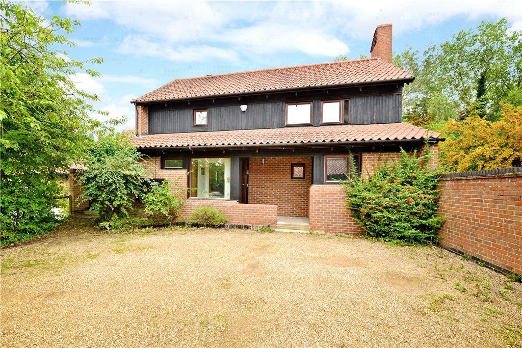 4 Bedrooms Detached House for sale in Pattison Lane, Woolstone, Milton Keynes, Buckinghamshire