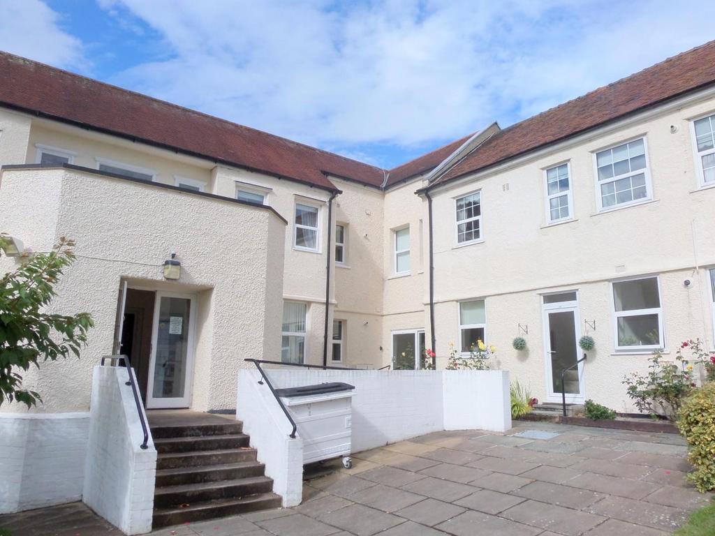 1 Bedroom Retirement Property for sale in Deganwy Road, Llanrhos, Llandudno