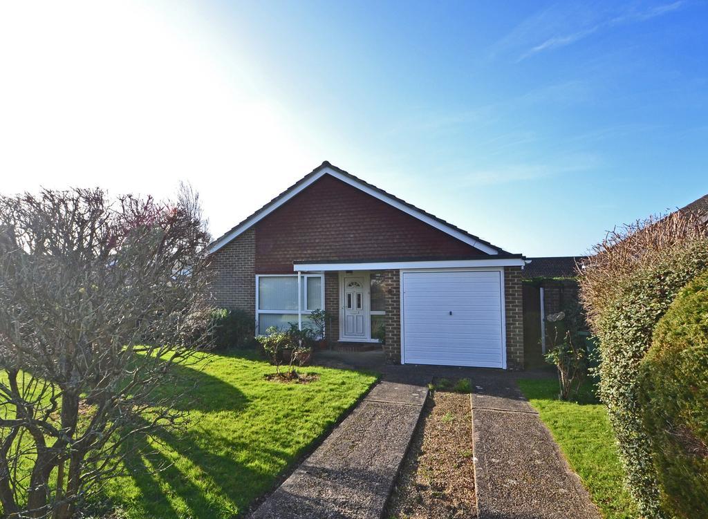 3 Bedrooms Detached Bungalow for sale in Storrington, West Sussex RH20