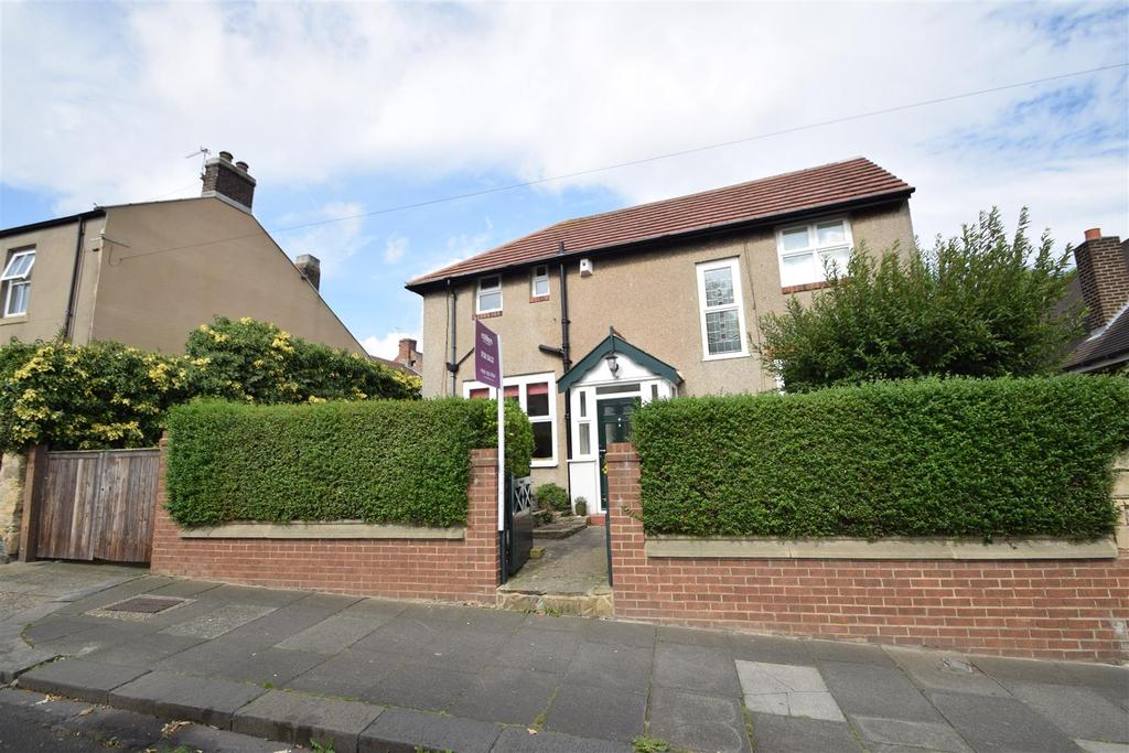 3 Bedrooms Detached House for sale in Lynn Cottage, Bygate Road, Monkseaton