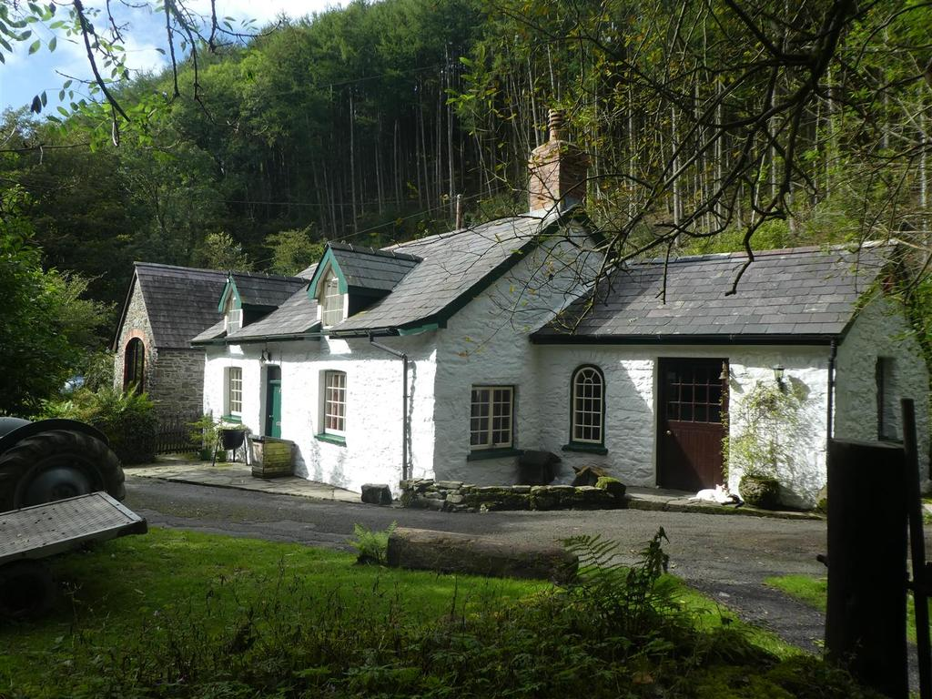3 Bedrooms Cottage House for sale in Llanrhystud, Aberystwyth