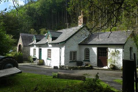 3 bedroom property with land for sale - Llanrhystud, Aberystwyth