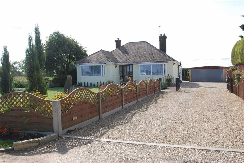 2 Bedrooms Detached Bungalow for sale in Lockham Gate, Wrangle, Boston