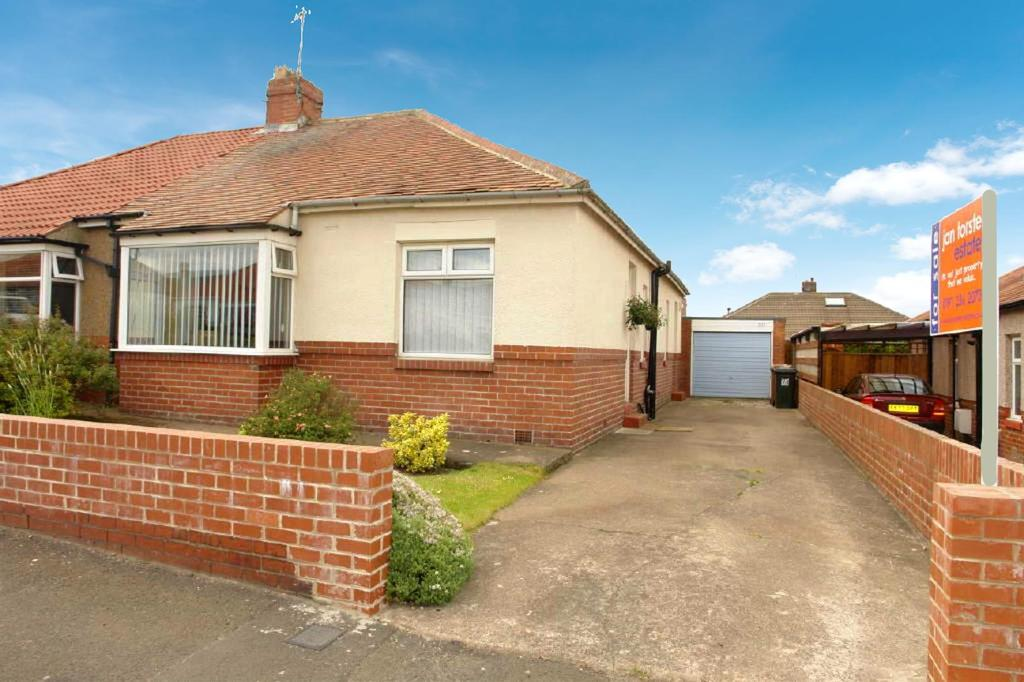 3 Bedrooms Semi Detached Bungalow for sale in East View, Wideopen, Newcastle Upon Tyne