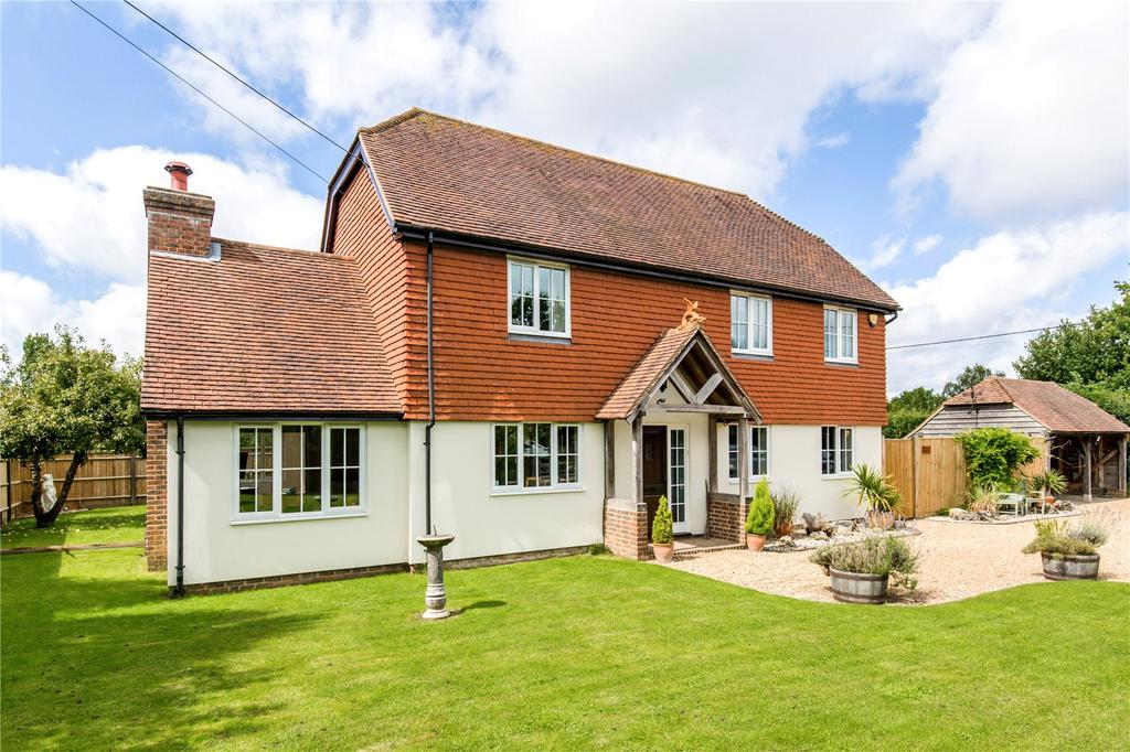 5 Bedrooms Detached House for sale in Tanyard Lane, Chelwood Gate, Haywards Heath, East Sussex, RH17