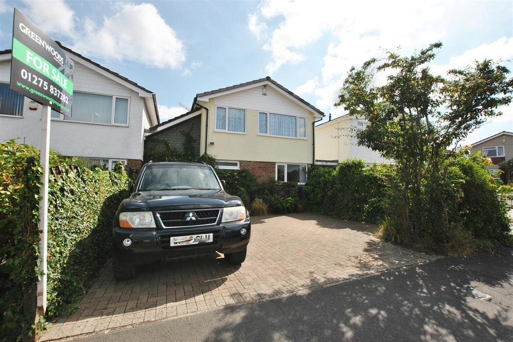 3 Bedrooms Detached House for sale in Meadowside Drive, Whitchurch