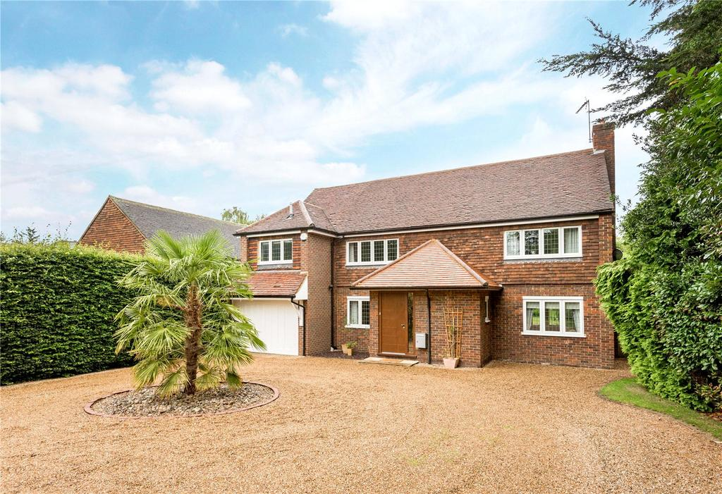 5 Bedrooms Detached House for sale in Sandy Lane, Cobham, Surrey, KT11