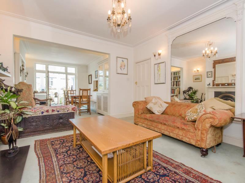 4 Bedrooms Terraced House for sale in Fortis Green, N2