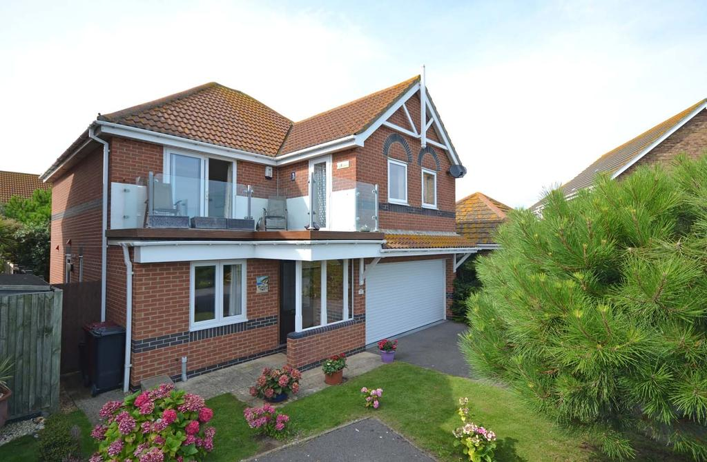 4 Bedrooms Detached House for sale in Barnes Close, Selsey, PO20