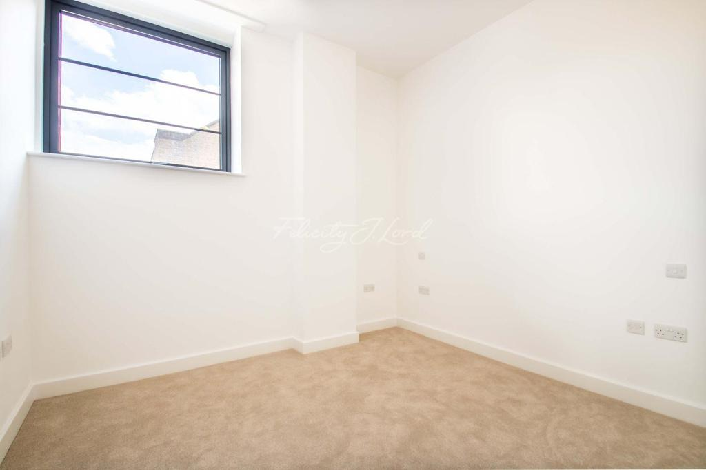 2 Bedrooms Flat for sale in Wick Tower, Woolwich, SE18