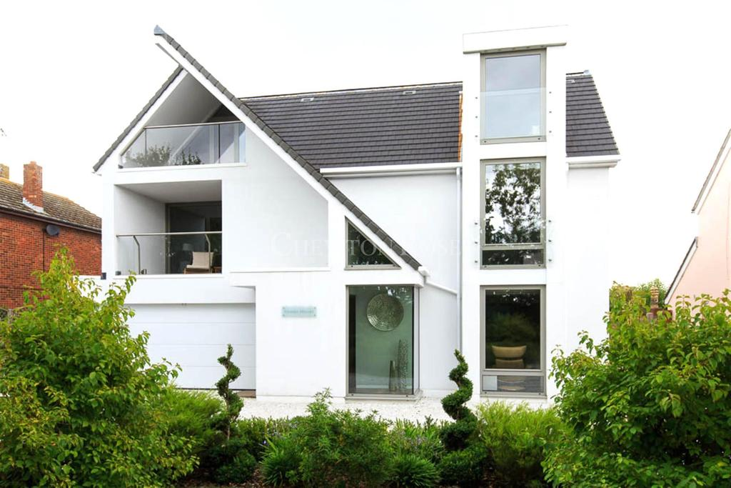5 Bedrooms Detached House for sale in Tiptree