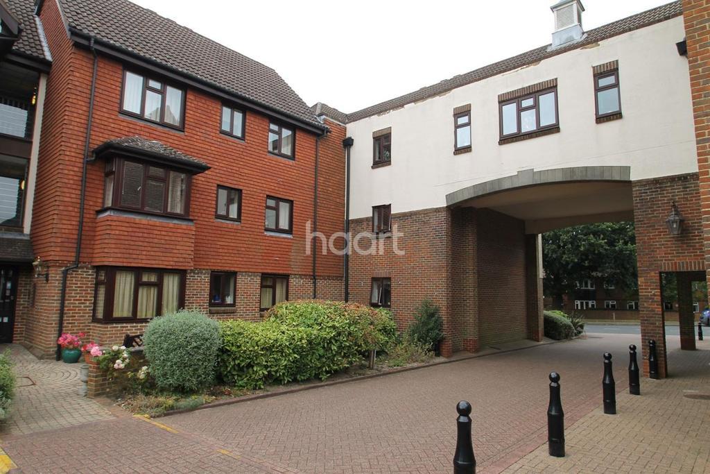 1 Bedroom Flat for sale in Tudor Court, Biggin Hill