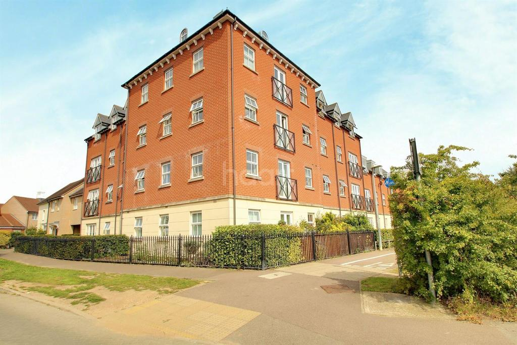 2 Bedrooms Flat for sale in William Harris way, Colchester