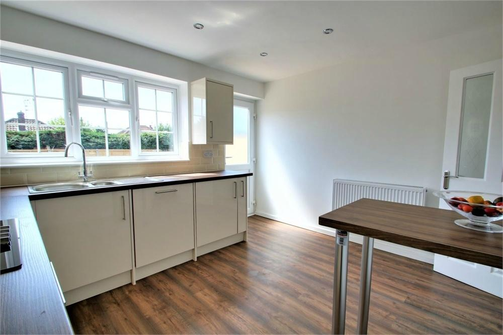 3 Bedrooms Terraced House for sale in Aster Close, CLACTON-ON-SEA, Essex