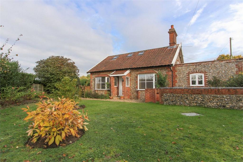 1 Bedroom Detached Bungalow for sale in Tuttles Lane West, Wymondham, Norfolk