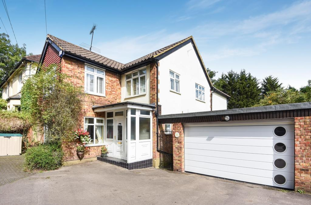5 Bedrooms Detached House for sale in Farnborough Common Orpington BR6