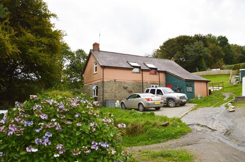 3 Bedrooms Land Commercial for sale in Ysgubor , Cwmpengraig, Velindre, Llandysul, Carmarthenshire. SA44 5XS