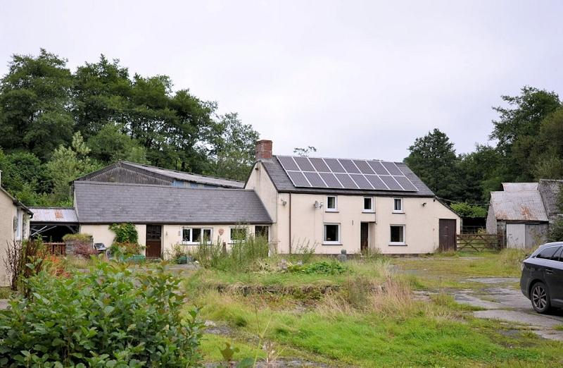 3 Bedrooms Land Commercial for sale in Felin Pwllcornel , Penrhiwllan, Llandysul, Ceredigion. SA44 5NZ