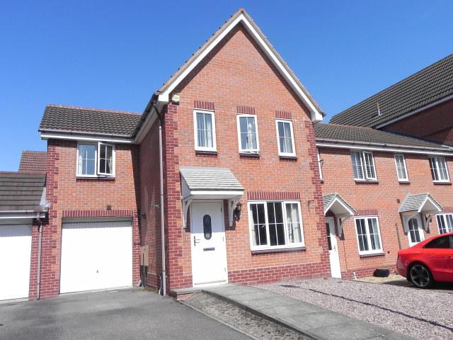 3 Bedrooms Link Detached House for sale in Water Mill Crescent,New Hall Manor,Sutton Coldfield
