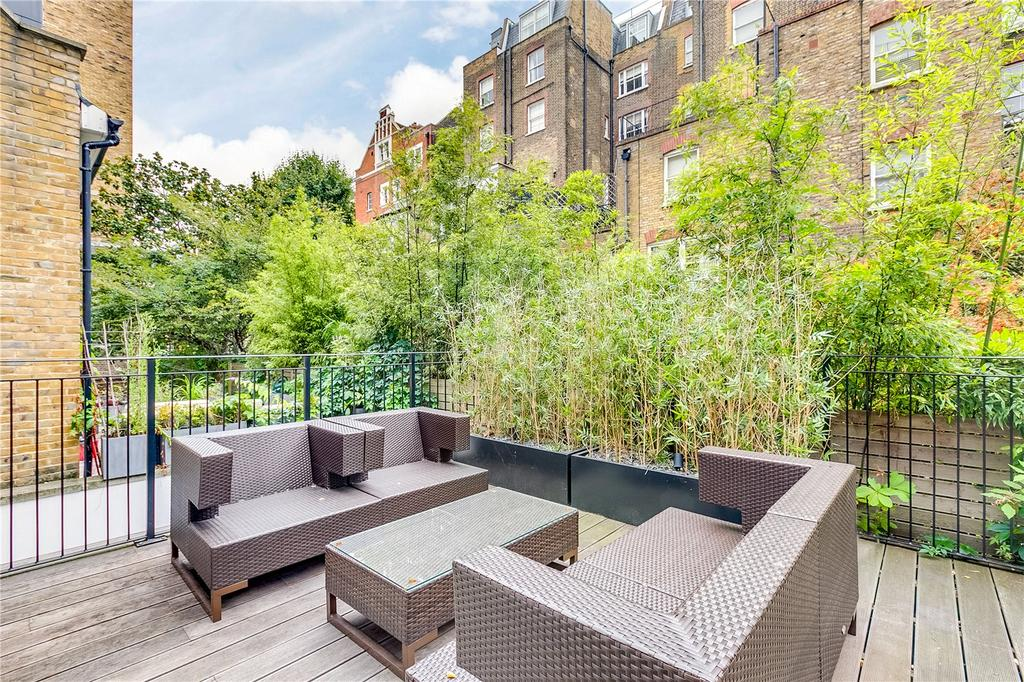 2 Bedrooms Flat for sale in Courtfield Gardens, Earls Court, London