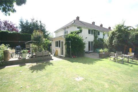 Studio to rent - Essex Avenue, Cheltenham, Glos, GL51