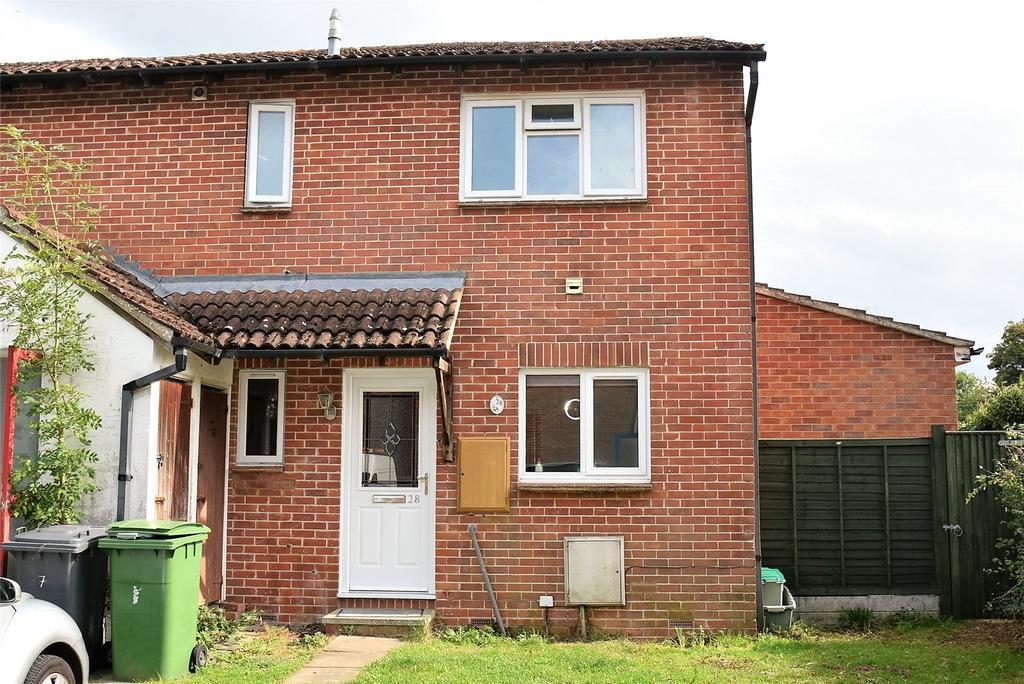 2 Bedrooms Maisonette Flat for sale in Monkswood Crescent, Tadley, Hampshire, RG26