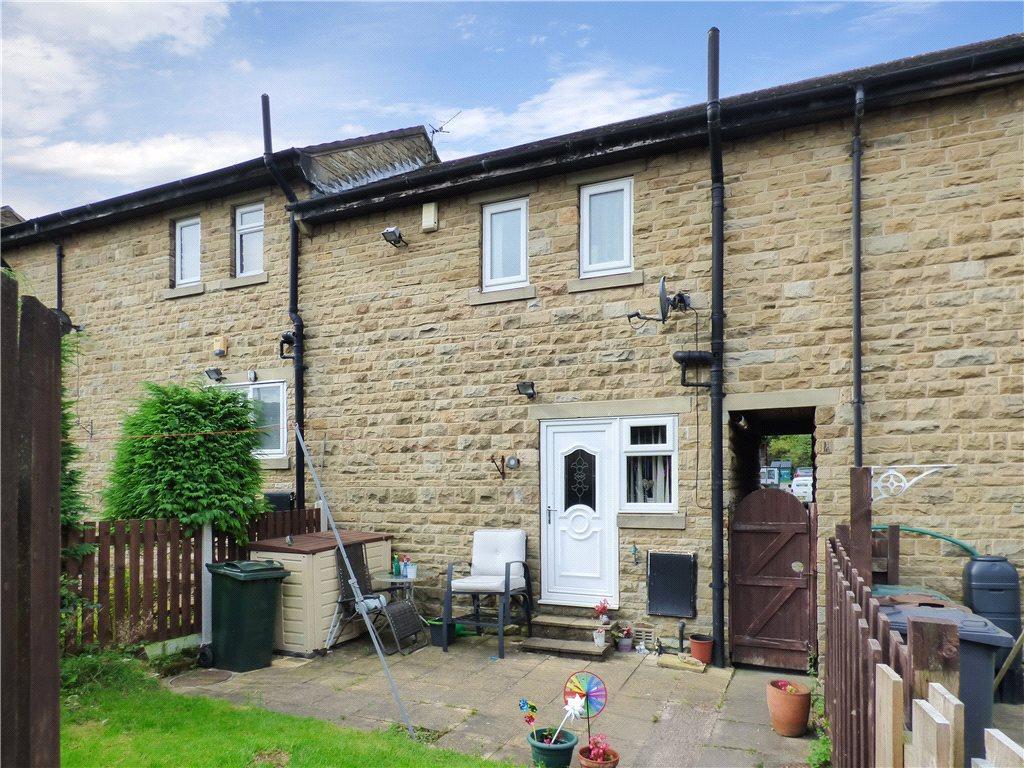 2 Bedrooms Terraced House for sale in Main Street, Wilsden, Bradford, West Yorkshire