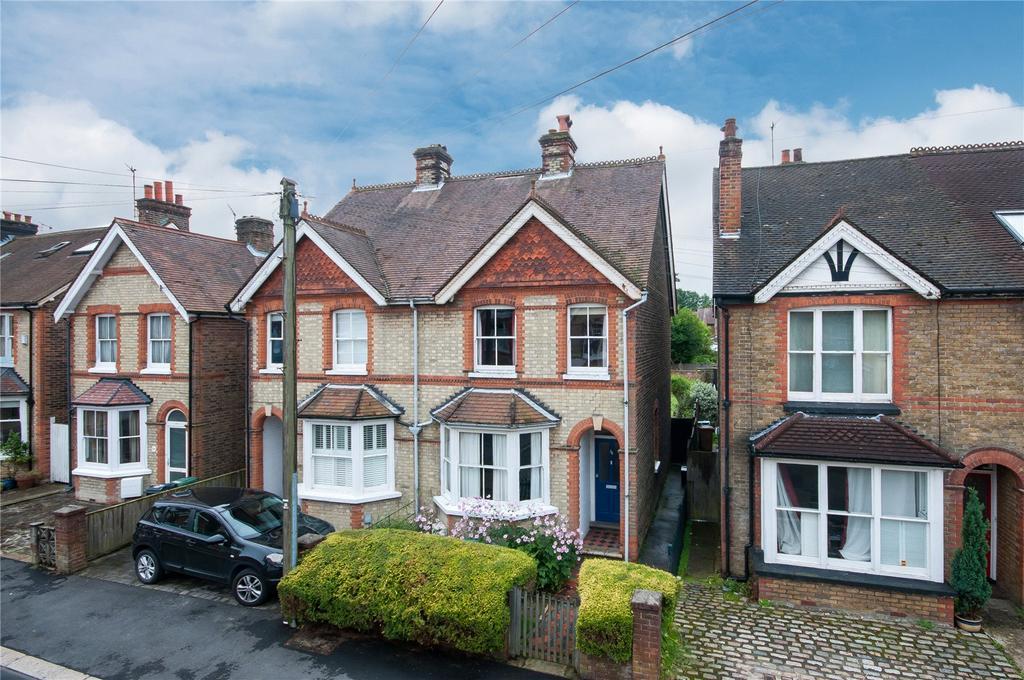 3 Bedrooms Semi Detached House for sale in Deerings Road, Reigate, Surrey, RH2