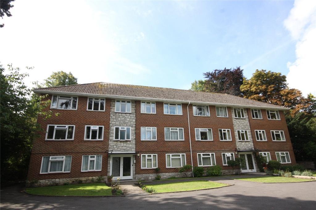 2 Bedrooms Flat for sale in Marlborough Court, 16 Marlborough Road, Bournemouth, Dorset, BH4