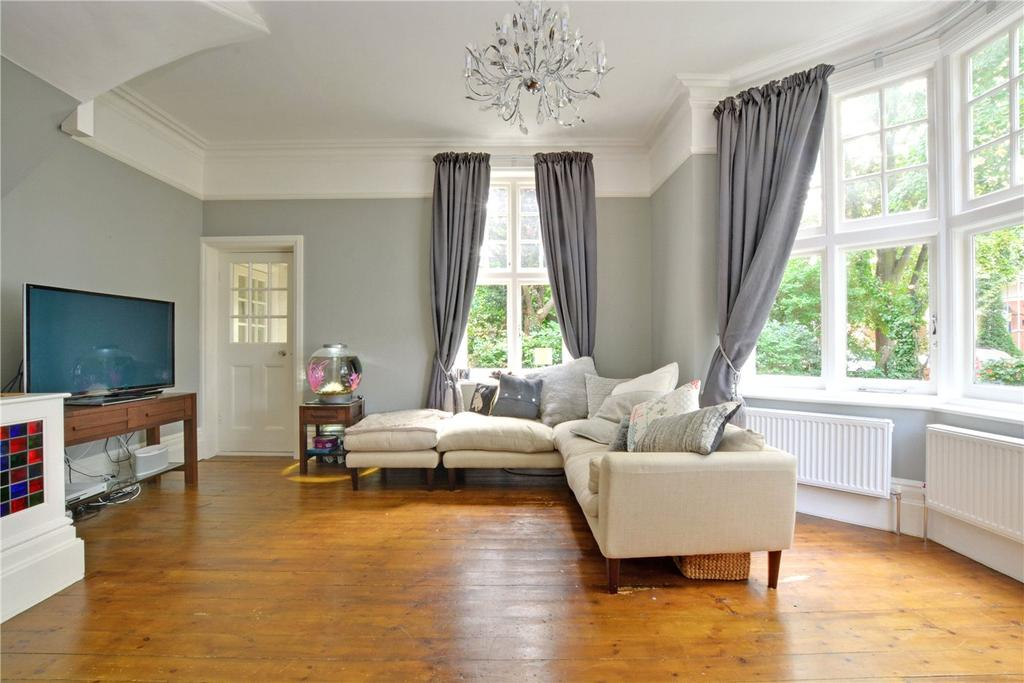 3 Bedrooms Flat for sale in Park Hill, Bromley, BR1
